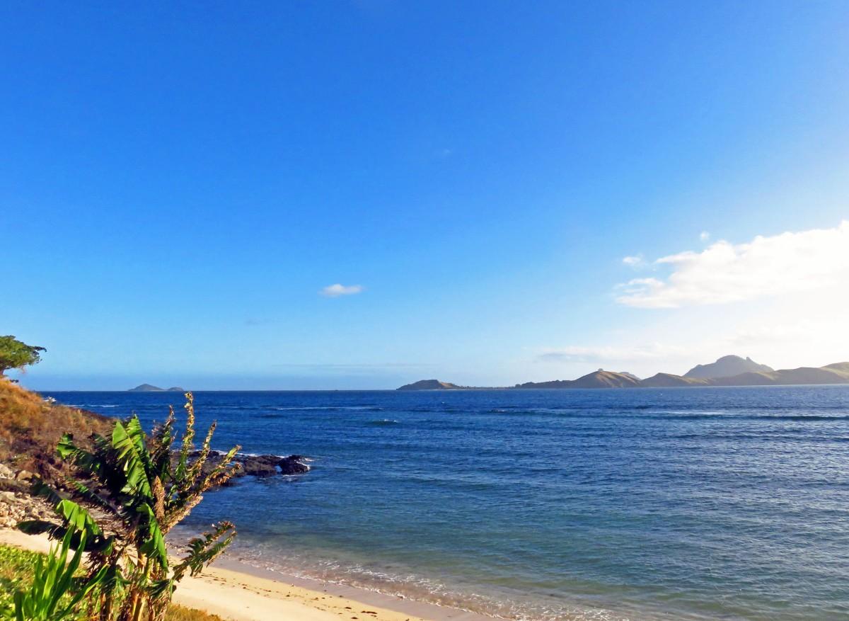 12. Tokoriki beach side view