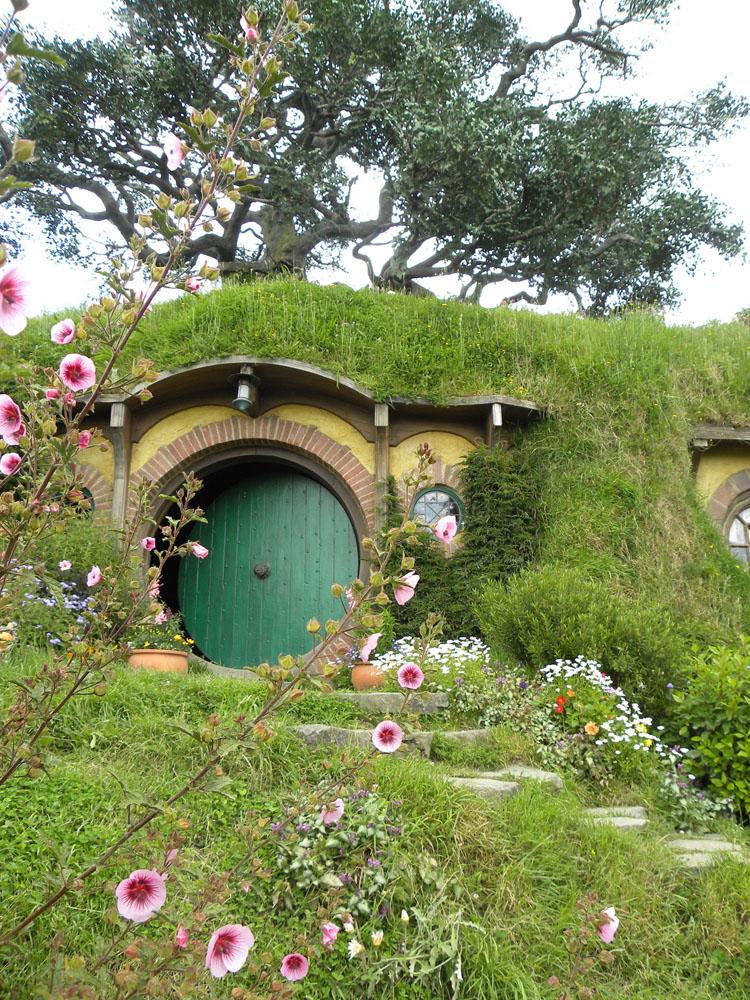 3 Hobbit Hole 400K