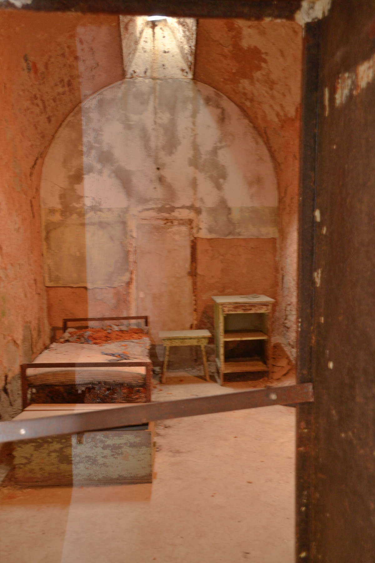 3-prison cell