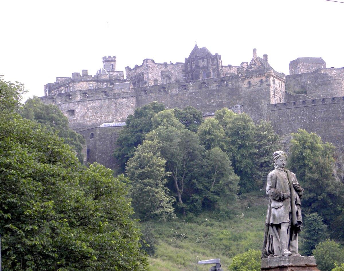 6     Edinburgh Castle