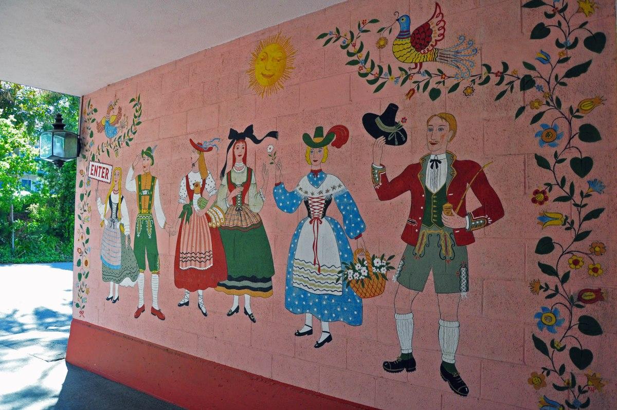 9. Hofsas House mural
