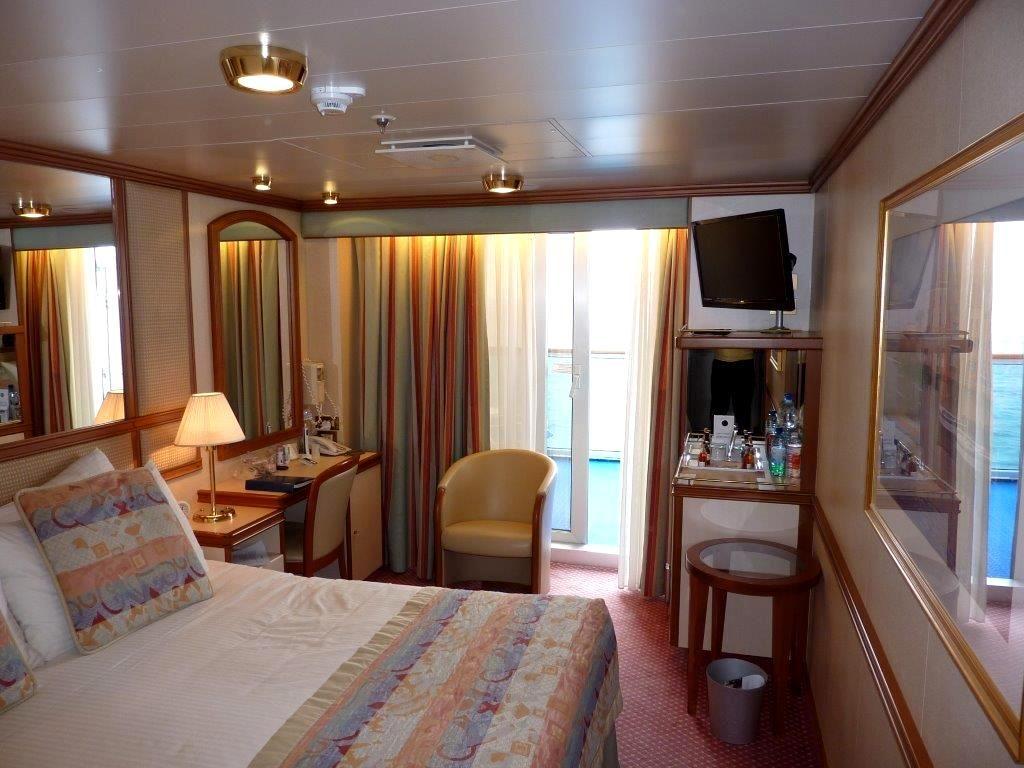 Photo 1. Cabin