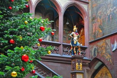 3. Rathaus tree