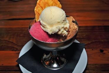 Mezzaluna gelato